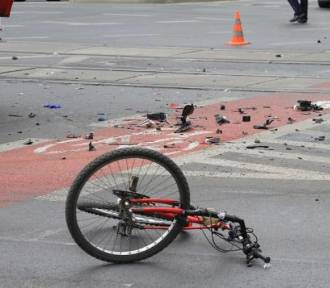 Śmiertelny wypadek w Henrykowie. Nie żyje rowerzystka [FOTO]