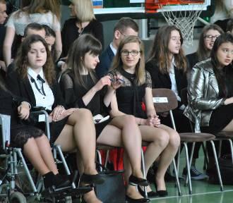 Pożegnanie maturzystów w Liceum Ogólnokształcącym w Wolsztynie [ZDJĘCIA]