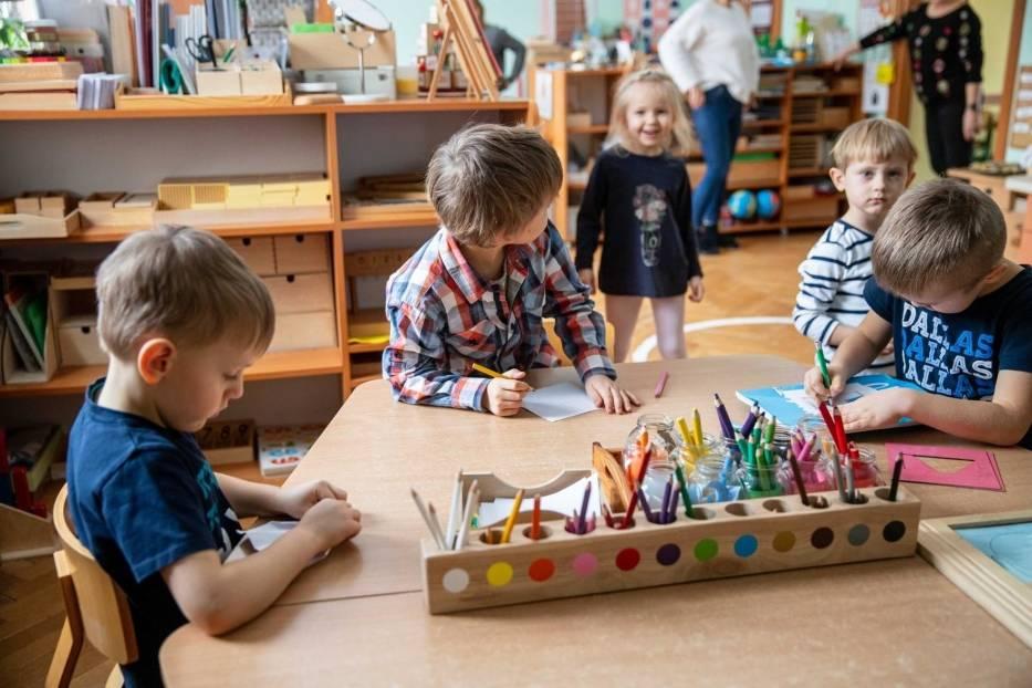 Minister Niedzielski poinformował, że zamknięte zostaną przedszkola i żłobki