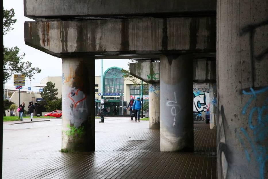 Wiadukt wschodni przy Łodzi Kaliskiej będzie wyremontowany i zaczną jeździć po nim pociągi