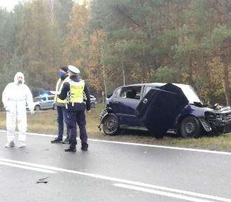 Groźny wypadek w pow. bielskim! Zderzenie dwóch osobówek