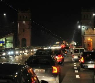 Warszawa przyjazna kierowcom? Raczej nie. Jest drogo i niebezpiecznie