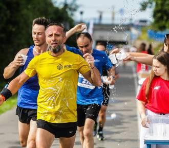 14. PKO Półmaraton Rzeszowski. W upalną niedzielę pobiegło 700 zawodników