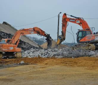 Wyburzają wiadukty na A1. Autostrada od Tuszyna do Piotrkowa zamknięta do poniedziałku [ZDJĘCIA,