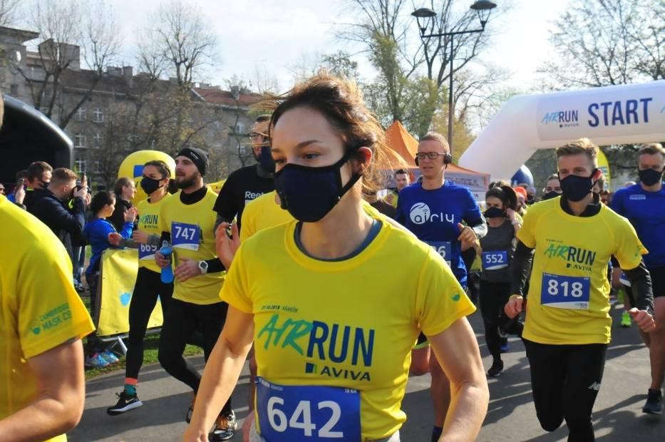 Bieg AirRun w maskach antysmogowych w Krakowie w 2018 roku