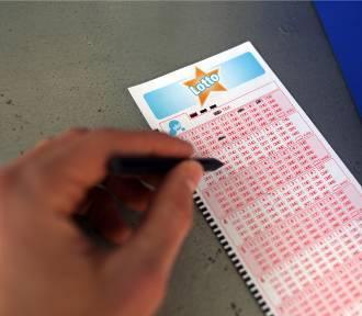 Losowanie Lotto: Do wygrania 21.08 są 4 mln zł! Sprawdź wyniki Lotto