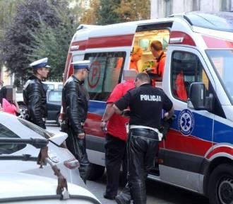 Dwuletnia dziewczynka ranna w wypadku na ulicy Zatorskiej we Wrocławiu. Wbiegła wprost pod samochód