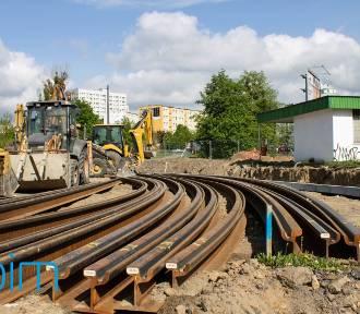 Budują nowe torowisko, którym pojedzie tramwaj na Naramowice [ZDJĘCIA]