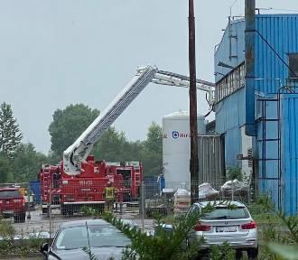 Pożar w firmie Secespol. Ogień w budynku przeznaczonym do rozbiórki