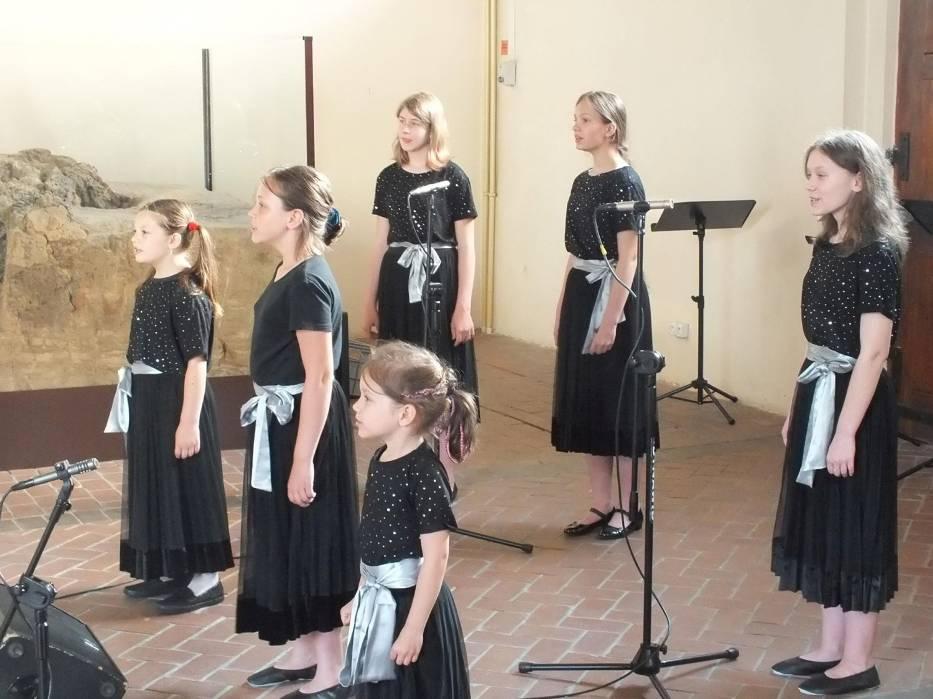 Przegląd chórów w starachowickim muzeum. Piękny koncert! [ZDJĘCIA]