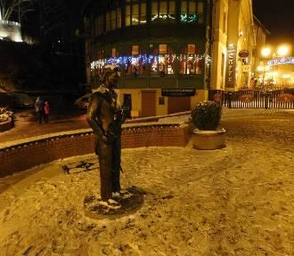 Szczawno-Zdrój wieczorem (ZDJĘCIA). W uzdrowisku po zmroku czuje się świąteczną atmosferę