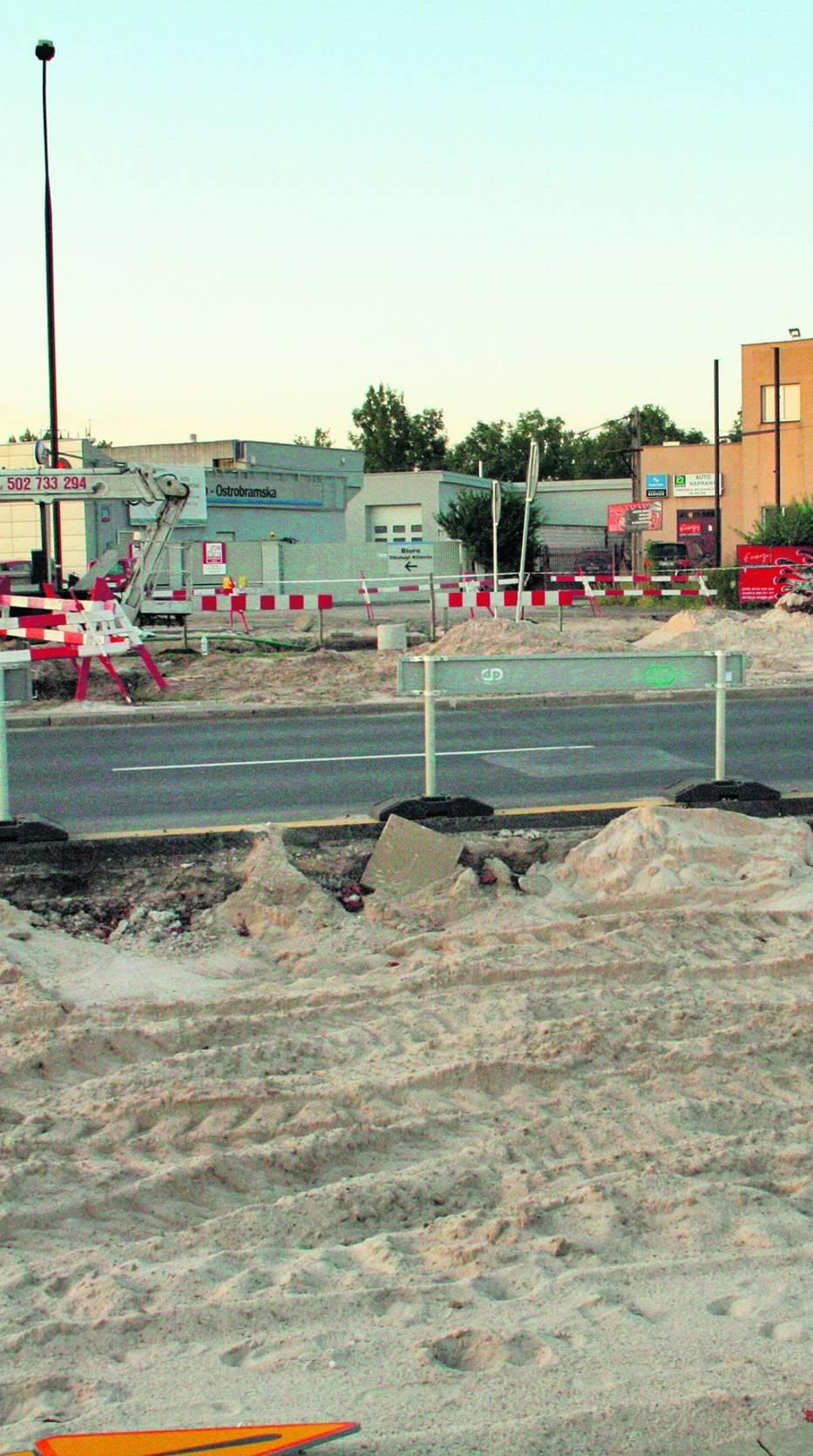 Cechą charakterystyczną warszawskich remontów drogowych jest widoczny brak pracowników