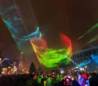 Zobaczcie, jak wygląda sylwestrowy pokaz laserów zamiast fajerwerków [ZDJĘCIA]