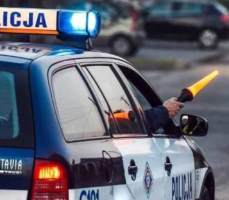 Mercedes nie zatrzymał się do kontroli. Policjanci z Aleksandrowa Kujawskiego ruszyli w pościg