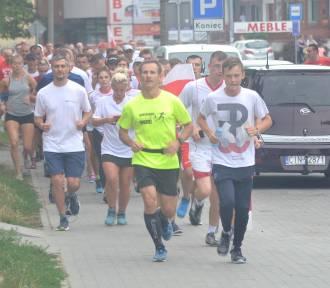 Inowrocławscy biegacze uczcili pamięć o Powstaniu Warszawskim [zdjęcia]
