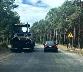 Za ok. 2 mln złotych remontują drogę Karwia - Ostrowo - Jastrzębia