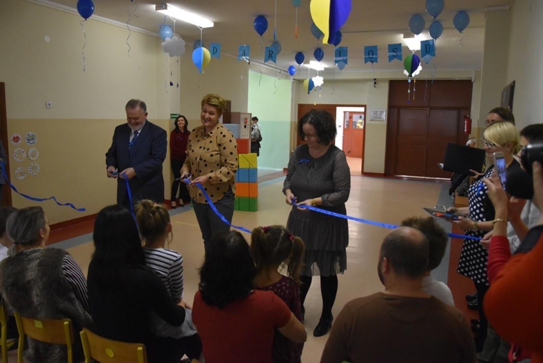 Dzisiaj uroczyście otwarto szkołę dla dzieci autystycznych