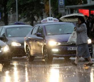 Burza przeszła nad Świdnicą, jest nad Wałbrzychem i idzie do Wrocławia [plus POGODA NA JUTRO 11.05]