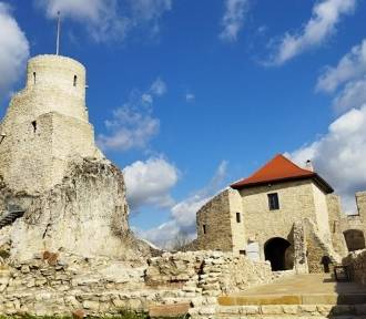 Zamek w Rabsztynie po otwarciu jest oblegany przez turystów