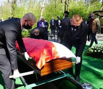Pogrzeb Krystyny Łybackiej. Była minister spoczęła na Miłostowie