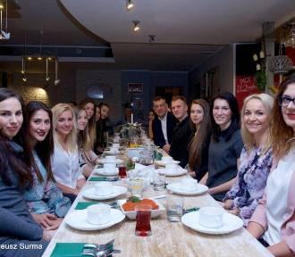 Siatkarki i koszykarze stargardzkiej Spójni zasiedli przy świątecznym stole z zarządem klubu,