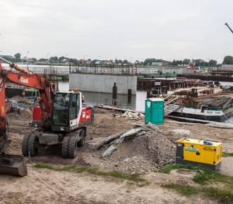 Budowa mostu na Wyspę Sobieszewską zakończy się przed wakacjami