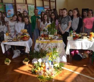 Uczniowie Szkoły Podstawowej Nr 1 w Koźminie Wlkp. promowali ideę spożywania drugiego śniadania