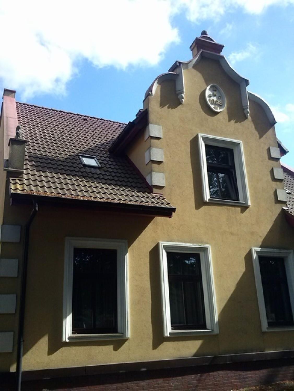 Na przełomie XIX i XX wieku niezagospodarowane piaszczyste tereny pomiędzy Krzekowem a Łęknem przeznaczono pod zabudowę i tak na bazie szachownicowego układu ulic powstało dzisiejsze Pogodno, zdaniem wielu - najpiękniejsza dzielnica willowa w Polsce