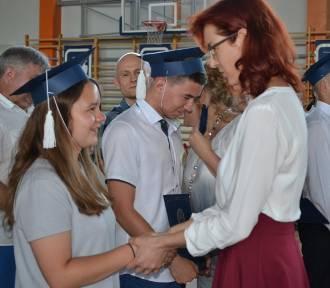 Pożegnanie absolwentów w Gimnajzum nr 1 w Człuchowie [ZDJĘCIA!!!]
