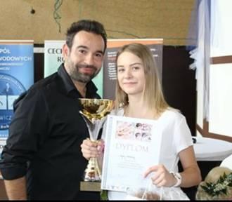 Sukces uczennicy z Kościana w konkursie fryzjerskim