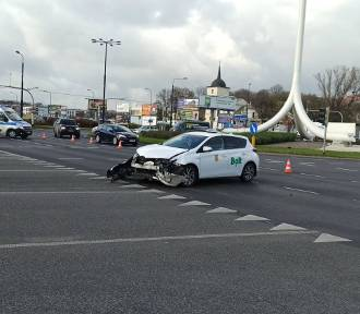 Zderzenie dwóch aut w centrum miasta. Mamy nagranie