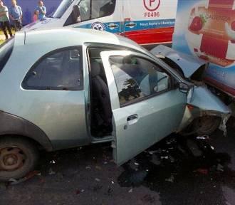 Wypadek w Przytocznej. Osobówka uderzyła w dostawczego busa [ZDJĘCIA]