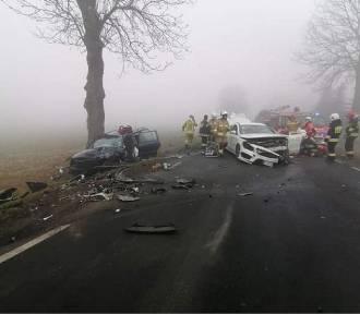 Zderzenie dwóch samochodów w Krzewacie