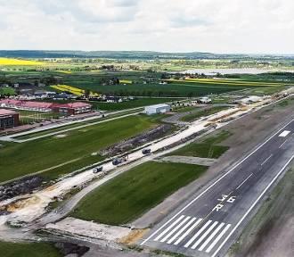 Chełm. Przyszli lotnicy z chełmskiej PWSZ  będą się szkolić na nowym lotnisku