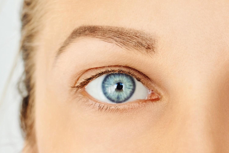 01- wymagana korekta i/lub ochrona wzroku:01