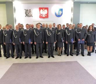 Nagrody i awanse na wyższe stanowiska służbowe w Zakładzie Karnym w Łowiczu [ZDJĘCIA]