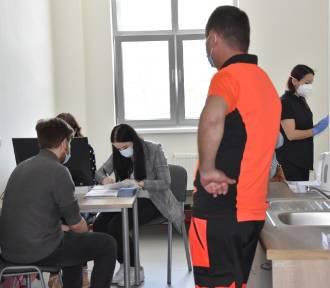 Punkt Szczepień Powszechnych w Żukowie otwarty. Pierwsze osoby zaszczepione