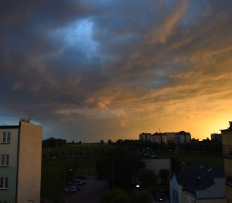 Pogoda na niedzielę 19 lipca. Uwaga na burze z gradem! Dla woj. łódzkiego wydano ostrzeżenie I stopnia