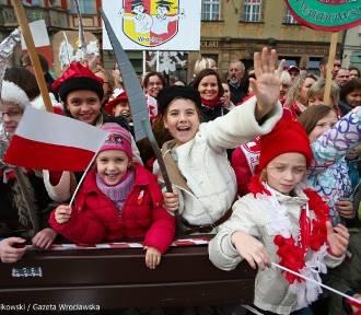 11 listopada, Narodowe Święto Niepodległości. Parada, bieg i marsz we Wrocławiu [ZAMKNIĘTE ULICE]