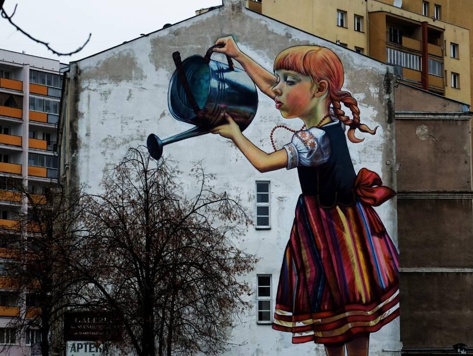 Mural dziewczynka z konewk stanie si zabytkiem for Mural bialystok dziewczynka z konewka