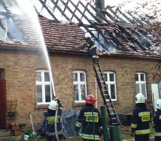 Pożar domu wielorodzinnego w gminie Bogdaniec [ZDJĘCIA]