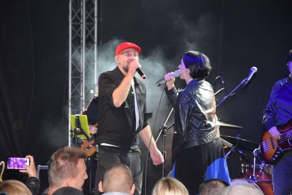 Renata Przemyk na koncercie w Górach Sowich