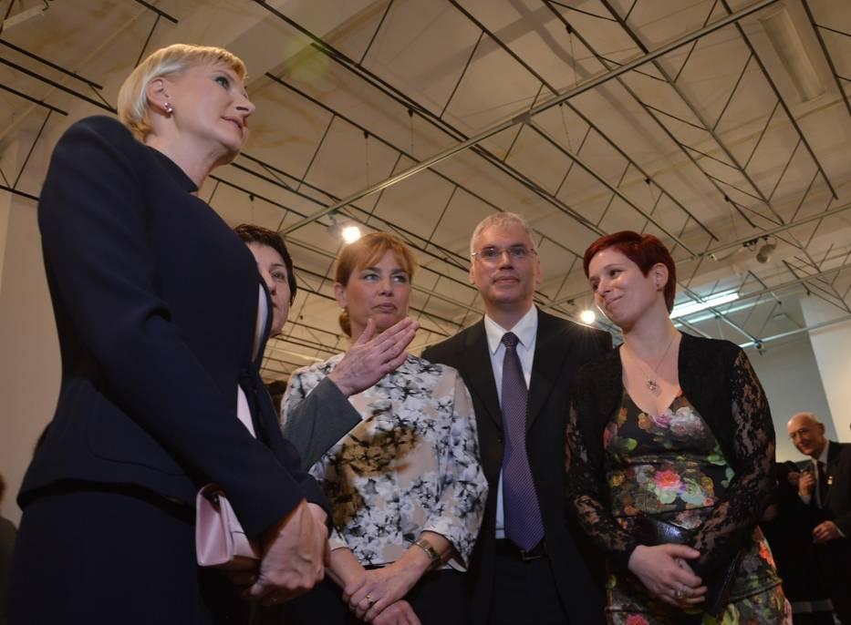 Prezydentowe Polski i Węgier w Piotrkowie. Agata Kornhauser-Duda i Anita Herczegh na wystawie w ODA