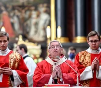 """Komentarze po decyzji Watykanu. """"Kara dla abp. Głódzia to żadna kara"""""""