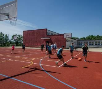 Jastrzębie: Przy szkołach powstały nowe boiska [FOTO]