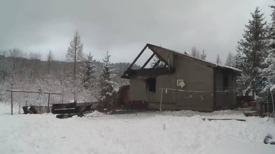 Pożar domu w Daliowej, pozbawił dachu nad głową czwórkę dzieci