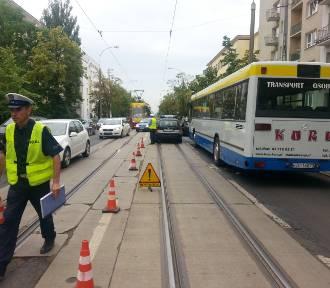 Wypadek na Narutowicza w Łodzi. Ranna kobieta [ZDJĘCIA]