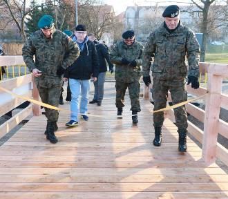 Mostek skrócił drogę pieszym i rowerzystom [ZDJĘCIA]