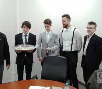 Uczniowie CKZiU uhonorowani stypendiami przez Nifco
