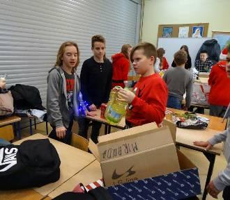 Uczniowie z Witoszowa Dolnego przygotowali szlachetną paczkę (ZDJĘCIA)